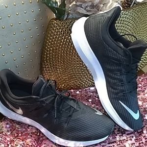 NWB Nike Quest Running Shoes